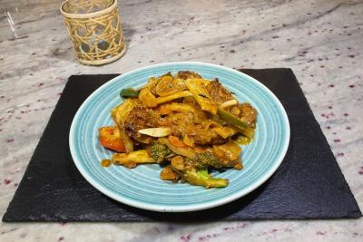 Oumph! & Peanut Sauce with Fresh Stir Fried Vegetables